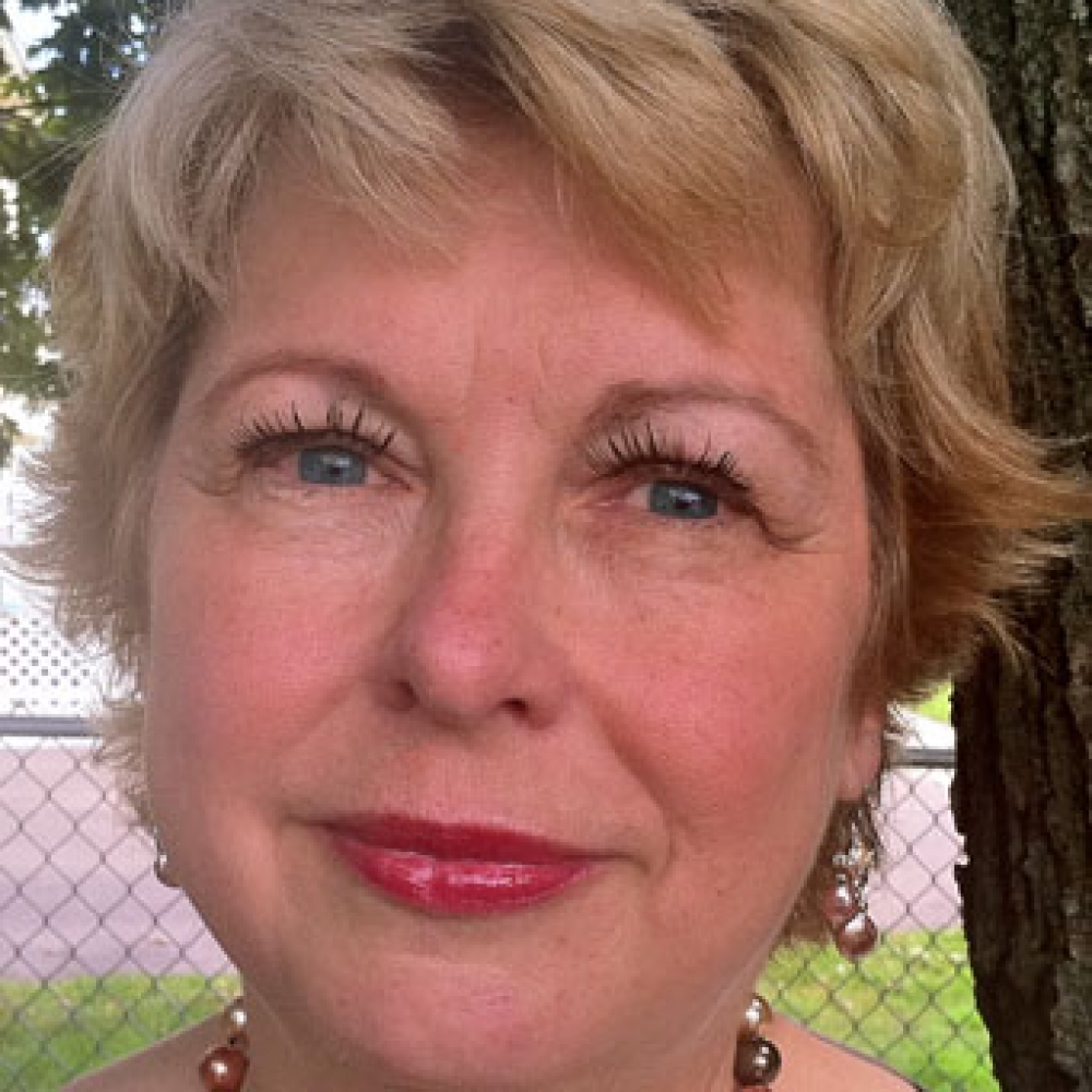 Linda MacDonald Glenn